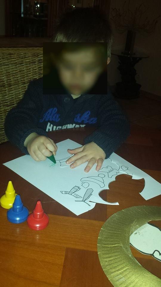 Activité coloriage des vêtements du bonhomme de neige, assistante maternelle Villeparisis